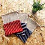 pochette de rangement en filet et tissus marinière
